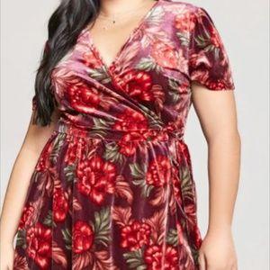 Forever 21 plus velvet floral wrap dress